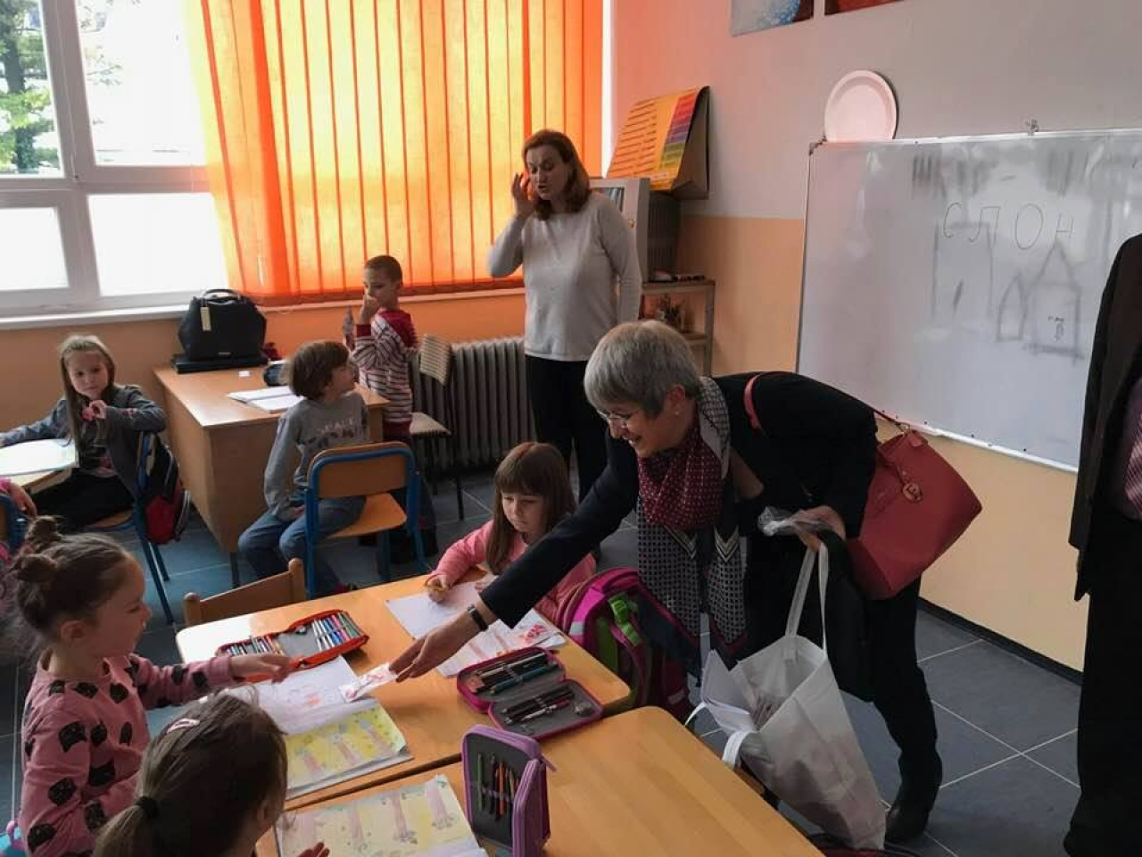 Ученици от Баня Лука пеят Националния химн на България