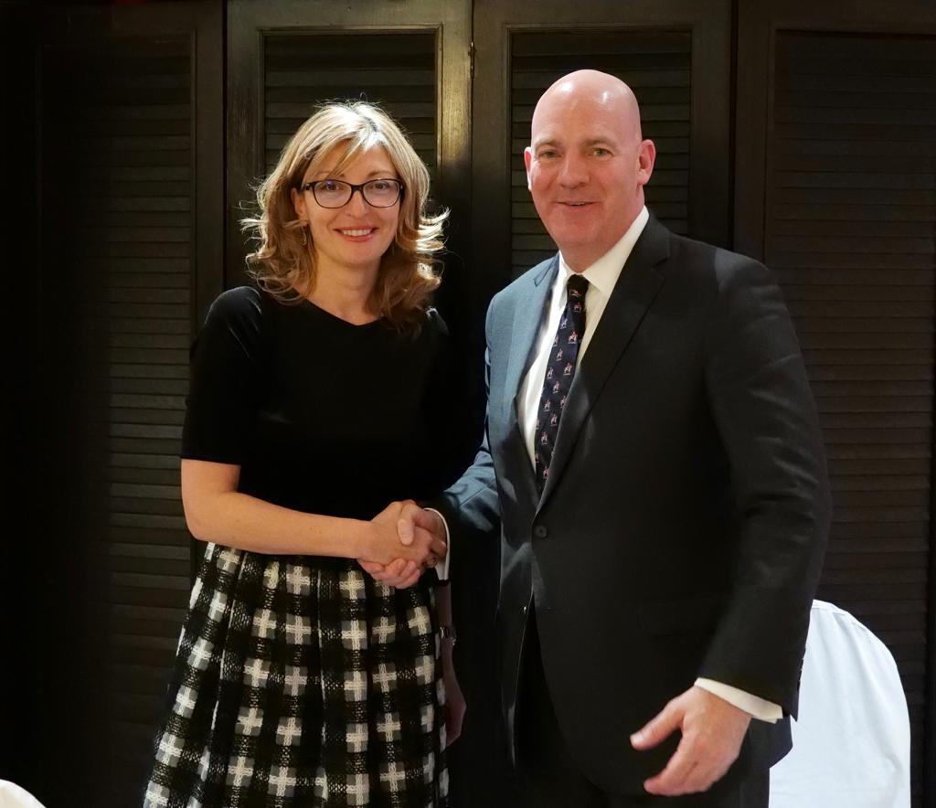 Вицепремиерът Захариева се срещна с помощник държавния секретар на САЩ по политико-военните въпроси